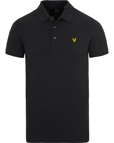 Lyle & Scott Plain Pique Polo Shirt True Black i gruppen Kläder / Pikéer / Kortärmade pikéer hos Care of Carl (12473111r)