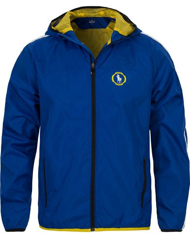 Polo Sport Ralph Lauren Tournament Windbreaker Hooded Jacket Sapphire i gruppen Kläder / Jackor / Tunna jackor hos Care of Carl (12560711r)