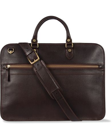 Baron Small Zip Leather Briefcase Dark Brown  i gruppen Assesoarer / Vesker / Dokumentvesker hos Care of Carl (12574910)