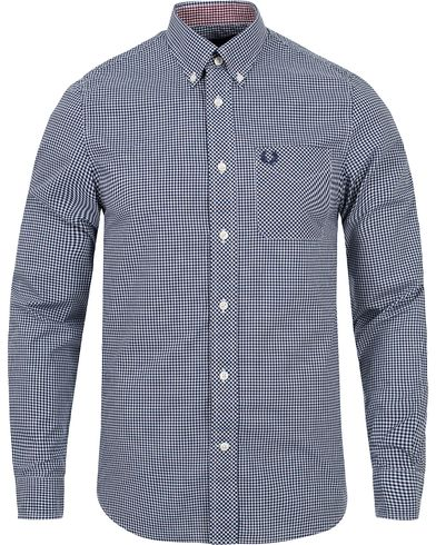 Fred Perry Classic Fit Gingham Shirt Medieval Blue i gruppen Skjorter / Casual skjorter hos Care of Carl (12627211r)