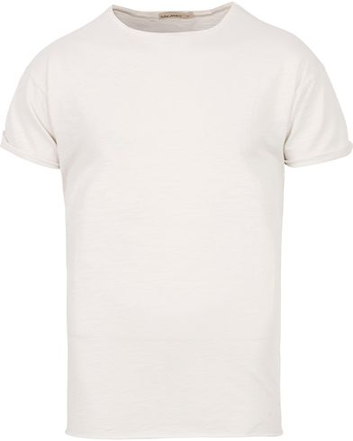 Nudie Jeans Roger Slub Crew Neck White White i gruppen T-Shirts / Kortärmade t-shirts hos Care of Carl (12659711r)