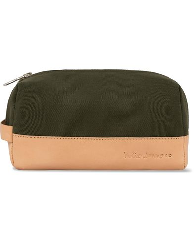 Nudie Jeans Rinsson Wash Bag Green  i gruppen Väskor / Necessärer hos Care of Carl (12660210)