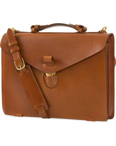 Tärnsjö Garveri Icon Briefcase Cognac  i gruppen Assesoarer hos Care of Carl (12665610)