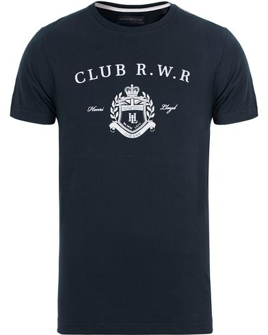 Henri Lloyd Mallart Regular Tee Navy i gruppen T-Shirts / Kortärmade t-shirts hos Care of Carl (12676511r)