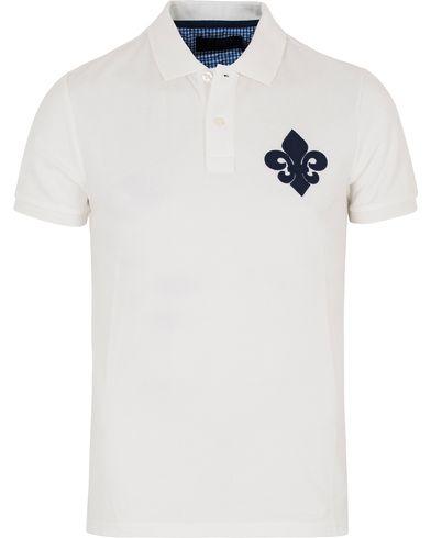 Morris Logo Piqué Off White i gruppen Kläder / Pikéer / Kortärmade pikéer hos Care of Carl (12710411r)
