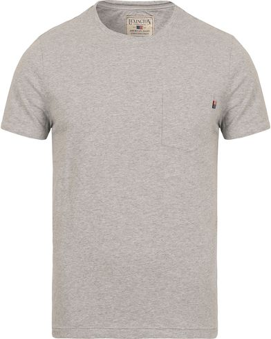 Lexington Travis Pocket Tee Light Grey Melange i gruppen Kläder / T-Shirts / Kortärmade t-shirts hos Care of Carl (12716411r)