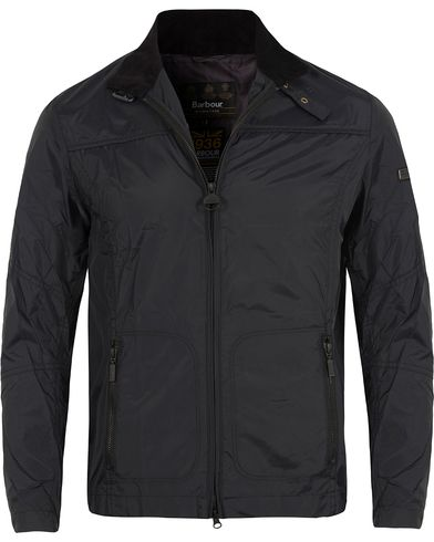 Barbour International Track Jacket Black i gruppen Kläder / Jackor / Tunna jackor hos Care of Carl (12725611r)