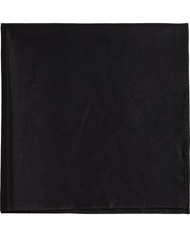 BOSS Pocket Square Black  i gruppen Accessoarer / Näsdukar hos Care of Carl (12734410)