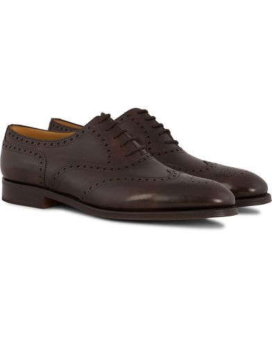 John Lobb Stowey Brogue Dark Brown Misty Calf i gruppen Skor hos Care of Carl (12735811r)