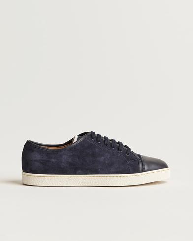 John Lobb Levah Sneaker Navy Suede i gruppen Sko / Sneakers / Sneakers med lavt skaft hos Care of Carl (12736111r)