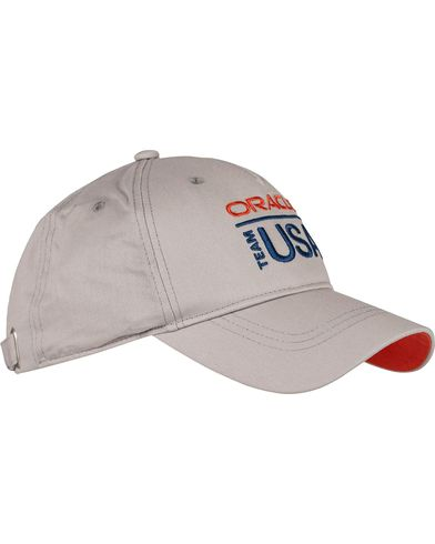 Sail Racing Oracle Cap Grey Violet  i gruppen Assesoarer / Caps / Baseballcapser hos Care of Carl (12756310)