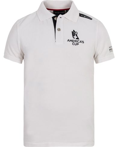 Sail Racing AC Polo White i gruppen Pikéer / Kortärmade pikéer hos Care of Carl (12756911r)