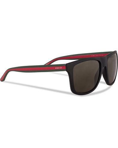 Gucci GG 1118/S Sunglasses Matte Black  i gruppen Assesoarer / Solbriller / Buede solbriller hos Care of Carl (12759210)