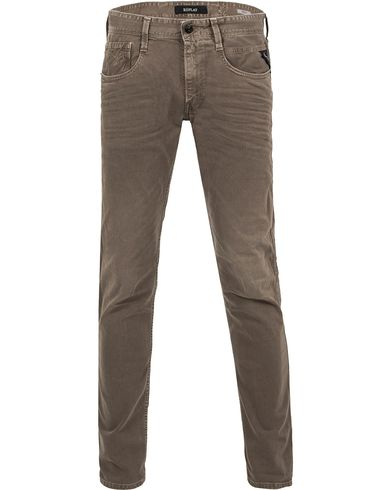 Replay M914 Anbass Jeans Sand i gruppen Jeans / Avsmalnande jeans hos Care of Carl (13000611r)