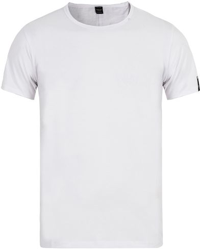 Replay M3030 Crew Neck Tee White i gruppen T-Shirts / Kort�rmad T-shirt hos Care of Carl (13001511r)