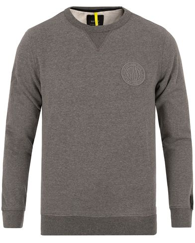 Replay M3132A Crew Neck Sweat Grey i gruppen Gensere / Sweatshirts hos Care of Carl (13002511r)