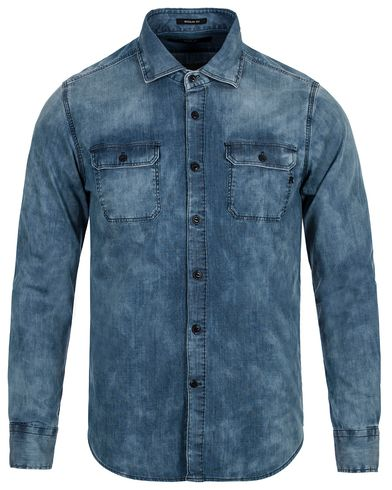 Replay M4096 Denim Pocket Shirt Light Blue i gruppen Skjorter / Casual Skjorter hos Care of Carl (13003211r)