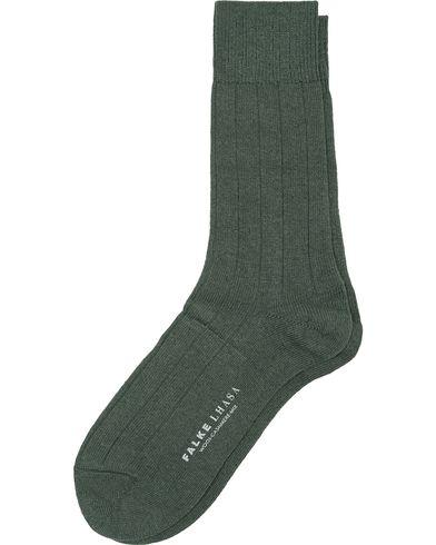 Falke Lhasa Cashmere Socks Green i gruppen Underkläder / Strumpor / Vanliga strumpor hos Care of Carl (13003611r)