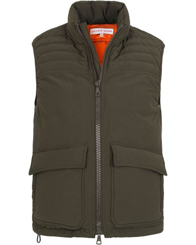 Orlebar Brown Hollins Down Vest Military Green i gruppen Kläder / Jackor / Yttervästar hos Care of Carl (13006611r)