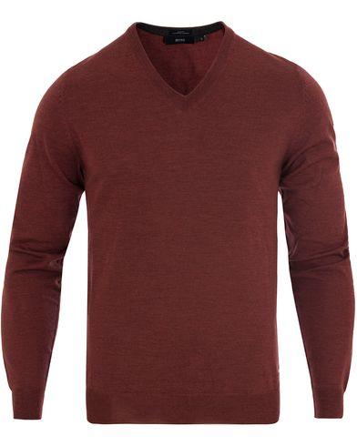 BOSS Melba Extrafine Merino V-Neck Pullover Brick Red i gruppen Tröjor / Pullovers / V-ringade pullovers hos Care of Carl (13012611r)