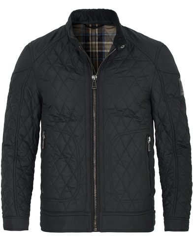 Belstaff New Bramley Quilt Jacket Black i gruppen Jackor / Quiltade jackor hos Care of Carl (13038611r)
