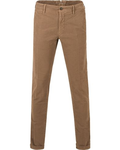 Incotex Slim Fit Garment Dyed Washed Chino Brown i gruppen Bukser / Chinos hos Care of Carl (13045911r)