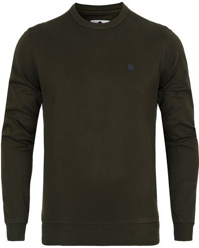 NN07 Base 3265 Sweater Army Green i gruppen Gensere / Sweatshirts hos Care of Carl (13049411r)