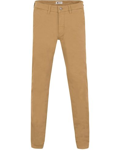 NN07 Marco 1200 Stretch Chinos Khaki i gruppen Design B / Kläder / Byxor / Chinos hos Care of Carl (13049511r)