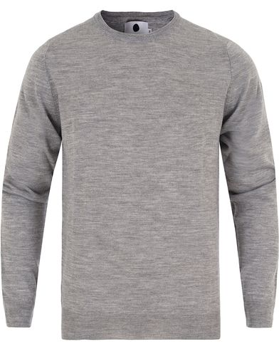 NN07 Charles Merino Wool Light Grey i gruppen Tröjor / Pullovers / Rundhalsade pullovers hos Care of Carl (13053311r)
