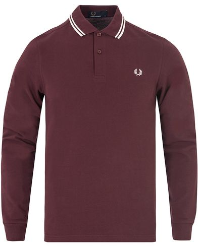 Fred Perry Slim Fit Polo Twin Tip Long Sleeve Mahogany i gruppen Pikéer / Langermet piké hos Care of Carl (13063111r)