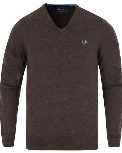 Fred Perry Classic Merino Tip V-Neck Liquorice Marl i gruppen Tröjor / Pullovers / V-ringade pullovers hos Care of Carl (13063911r)