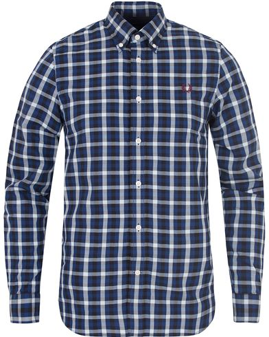 Fred Perry Classic Fit Gingham Shirt Mid Blue i gruppen Skjortor / Casual skjortor hos Care of Carl (13064311r)