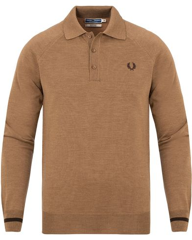 Fred Perry Reissues Made In Italy Knitted Polo Biscuit i gruppen Design A / Pikéer / Langermet piké hos Care of Carl (13065511r)