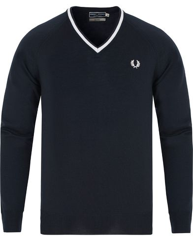 Fred Perry Reissues Made In England Merino Pullover Navy i gruppen Tröjor / Pullovers / V-ringade pullovers hos Care of Carl (13065611r)