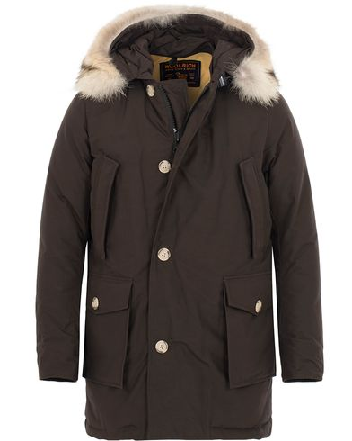 Woolrich Arctic Parka DF Wood Brown i gruppen Jackor / Parkas hos Care of Carl (13066111r)