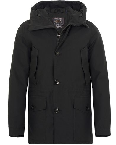 Woolrich Gore Tex Mountain Parka New Black i gruppen Jackor / Parkas hos Care of Carl (13066411r)