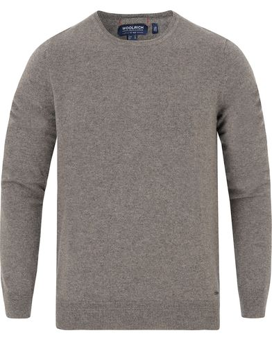 Woolrich Cashmere Crew Neck Bungee Cord Brown i gruppen Tröjor / Pullovers / Rundhalsade pullovers hos Care of Carl (13067111r)