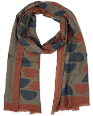 Drake's Indian Block Print Wool Scarf Grey i gruppen Assesoarer / Scarves hos Care of Carl (13078110)