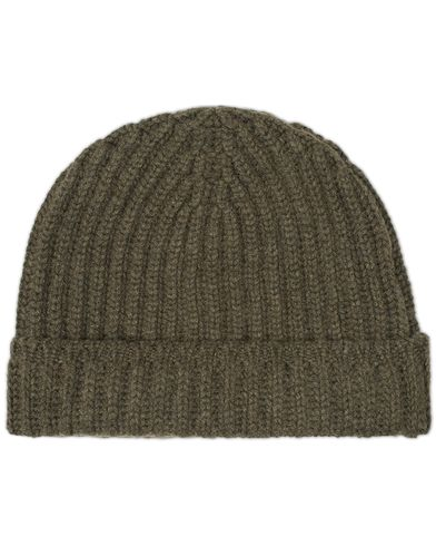 Drake's Ribbed Knit Solid Cashmere Hat Olive Green  i gruppen Accessoarer / Mössor hos Care of Carl (13079110)