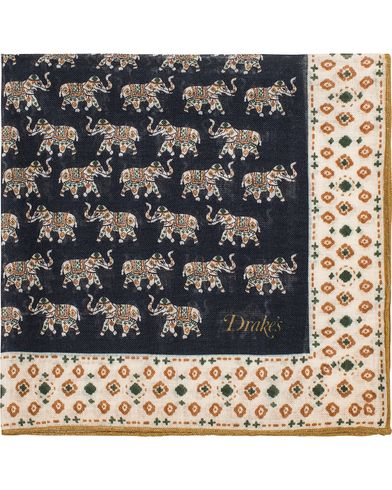 Drake's Indian Elephant Parade Pocket Square Navy  i gruppen Assesoarer / Lommetørklær hos Care of Carl (13080810)