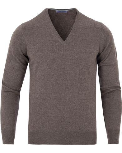 Gran Sasso Merino Fashion Fit V-Neck Pullover Light Brown i gruppen Gensere / Pullover / Pullovers v-hals hos Care of Carl (13085711r)