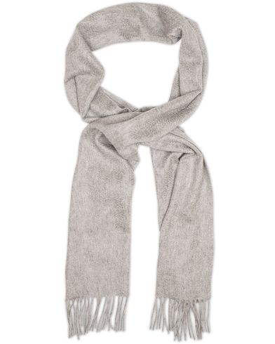 Amanda Christensen Winter Cashmere Scarf Light Grey  i gruppen Assesoarer / Skjerf hos Care of Carl (13107210)