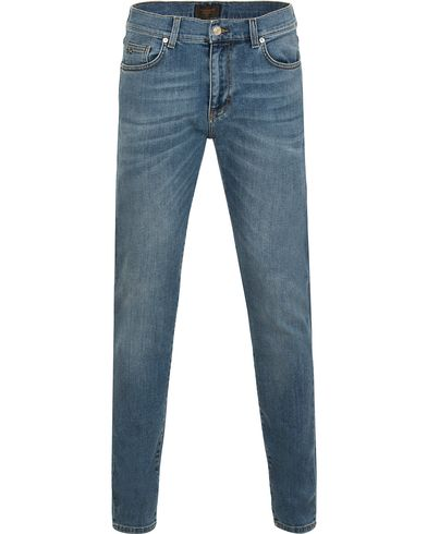J.Lindeberg Jay Winter Light Jeans Mid Blue i gruppen Jeans / Smale jeans hos Care of Carl (13114711r)