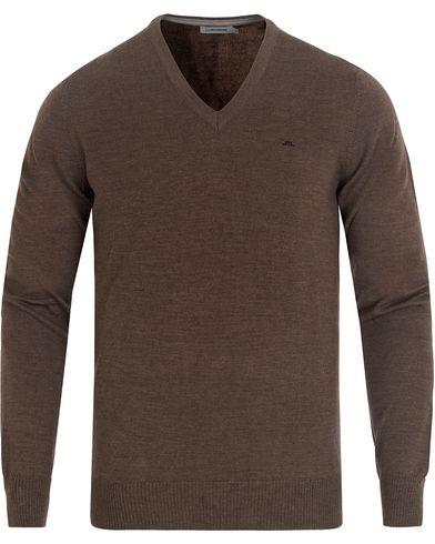 J.Lindeberg Lymann True Merino V-neck Pullover Mud Melange i gruppen Kläder / Tröjor / Pullovers / V-ringade pullovers hos Care of Carl (13115511r)
