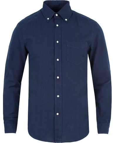 GANT Rugger Indigo Oxford Hugger Fit Shirt Dark Indigo i gruppen Kläder / Skjortor / Casual skjortor hos Care of Carl (13122011r)