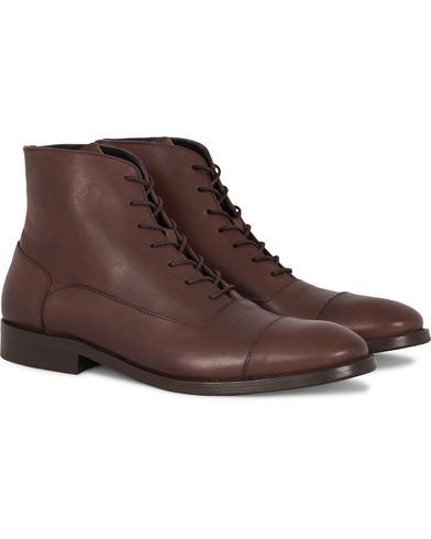Tiger of Sweden Harry Laced Boot Teak Brown i gruppen Skor / Kängor / Snörkängor hos Care of Carl (13125011r)