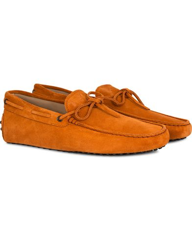 Tod's Laccetto Gommino Carshoe Orange Suede i gruppen Sko / Bilsko hos Care of Carl (13129411r)