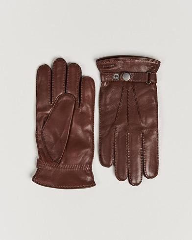 Hestra Jake Wool Lined Buckle Glove Chestnut i gruppen Säsongens nyckelplagg / Promenadhandskarna hos Care of Carl (13136911r)