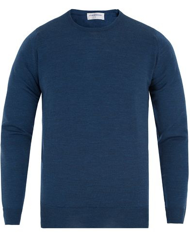John Smedley Cleves Slim Fit Fine Merino C-Neck Pullover Indigo i gruppen Tröjor / Pullovers / Rundhalsade pullovers hos Care of Carl (13143011r)