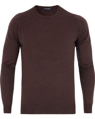 John Smedley Cleves Slim Fit Fine Merino C-Neck Pullover Chestnut i gruppen Kläder / Tröjor / Pullovers / Rundhalsade pullovers hos Care of Carl (13143111r)